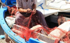 Preparazione delle reti da pesca